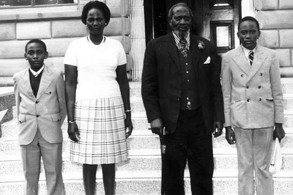 uhuru kenyatta photos