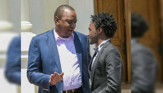 President Kenyatta chats with Gospel singer Kevin Bahati during the Youth Summit at State House