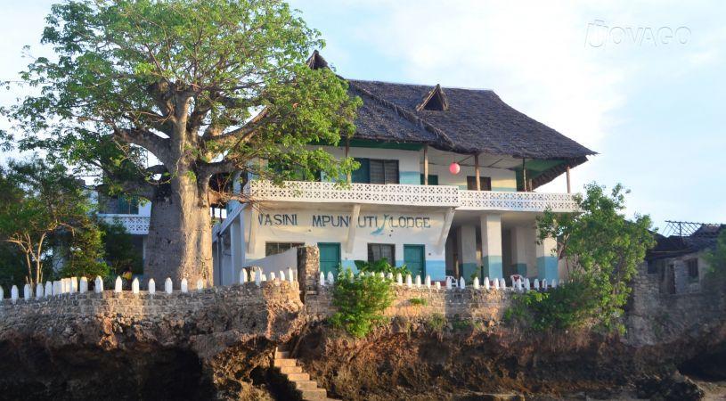 Mpunguti Lodge