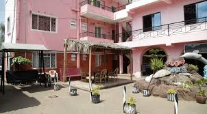 Hotel from Tinsel Town Travel