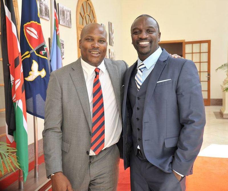 Jomo Gecaga with Senegalese Musician Akon