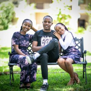 Abel Mutua with his wife and Daughter Photo